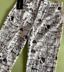 Pretty little thing pantaloni so etiketa