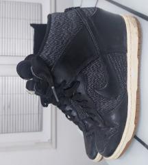 Nike polna peta