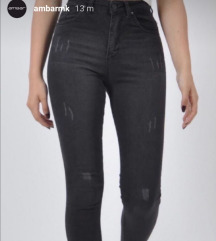 Скроз нови не носени Ambar фармерки вел.26
