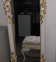 Ogledalo stolce lampa