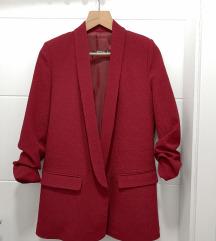 Ново црвено сако