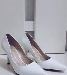 *Намалени* Бели салонки штикли