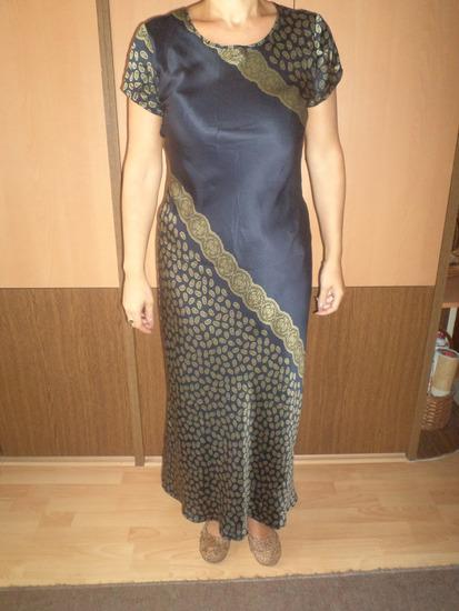 svilen fustan