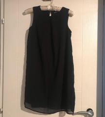 Crno ednostavno fustance