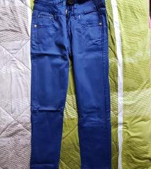 Teget pantaloni