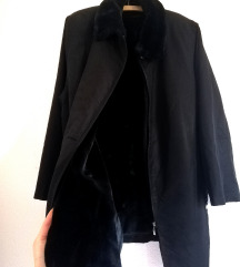 Нова unisex јакна(крзно кое се вади) 😍