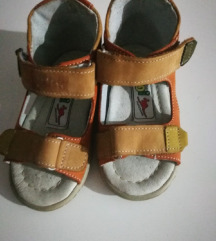 Novi sandalcinja