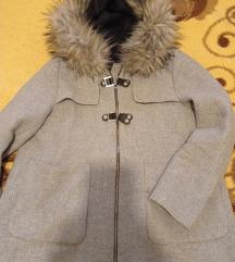 Zara kaput za trudnici