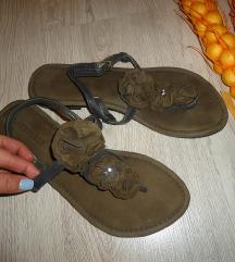 Novi kozzni sandali br.40