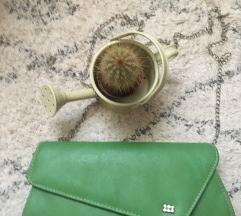 Зелена ташна со синџирче