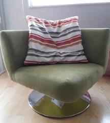 nova fotelja