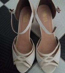 Novi FOREVER kremasti sandali br 39