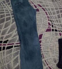Extra somotni pantaloni 12y