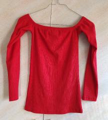 НОВА Црвена блуза со голи раменици