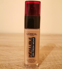 L'Oreal Infallible течна пудра, 220 Sable Sand
