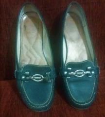 ниски чевли