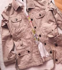 Krem jakna nova