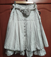 Raskosna suknja
