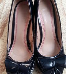 Намалени 300 Елегантни лак кондури