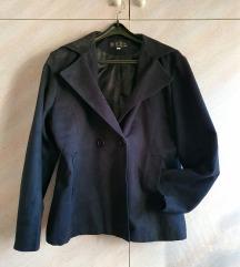 Црно плишано палто