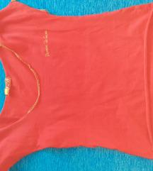 Црвена маичка