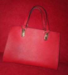 Црвена чанта
