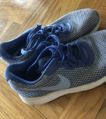 Patiki Nike 37.5