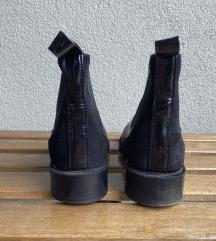 кожни Chelsea чизми Zara