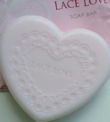 Lace Love сапун во форма на срце