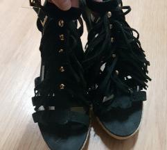 Sandalki na pluta