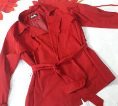 Црвен мантил