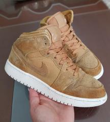 Nike jordan kozni br 37.5