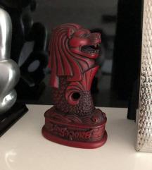 Дрвен украс-Лав од Сингапур