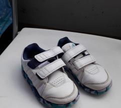 Patiki Adidas