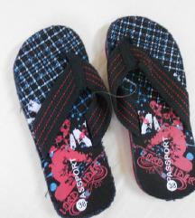 Novo crni papuci 38