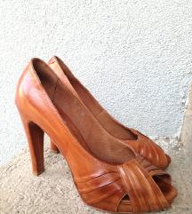 Vera Pelle - кожни штикли како нови