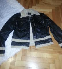 nova kozna jakna Bershka