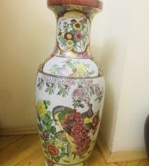 Vazo golemo moderna
