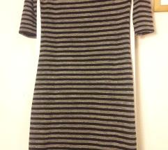 Зимски тесен фустан до колена, на пруги С/М