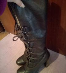 Високи кожни чизми