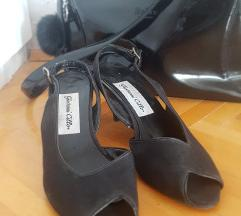 Crni sandalcinja