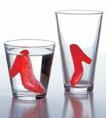 vo vid na stikli i pipercinja za 500 den dve