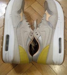Продавам Nike Патики