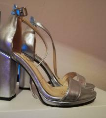 сребрено сиви сандали