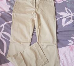 Pantaloni novi