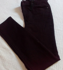 Crni pantaloni