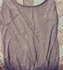 Se prodava Bershka bluza