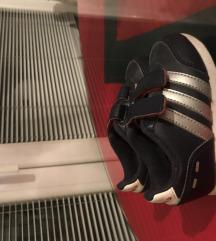 Adidas патики за деца