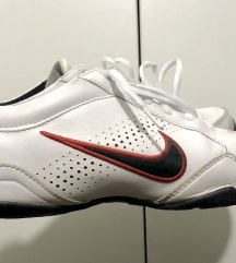 Кожни Nike патики