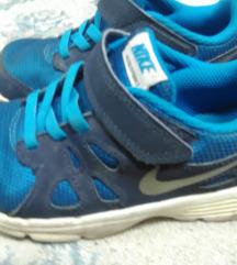 Nike /27